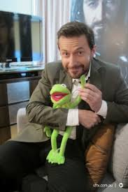it s an r a world his adokableness and kermit the frog it s an r a world richard armitage love fest