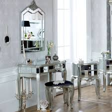 Types Of Mirrored Bedroom Furniture Sets