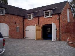side hinged garage doorsHinged Garage Doors  saragrilloinvestmentscom