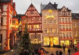 Weihnachtsmarkt An Der Mosel Jedes Fenster Ist Ein Türchen In Den