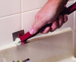 how to clean old caulking from bathtub lovely how to remove old caulk from your bathtub