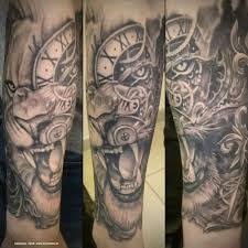 художественная татуировка лев и часы фото зажившей тату перед