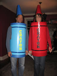 picture of a couple of crayons