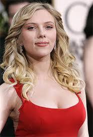 Tyra Banks Carmen Electra Scarlett Johansson - leute_promis_und_vips_sexy_dekolletees_75