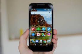 motorola g4. returning in the moto g4 play is 5.0-inch 720p lcd and qualcomm snapdragon 410 soc, along with 16 gb of storage 2 ram as standard. motorola g