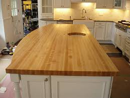 edge grain is a reference to a particular visible pattern on the surface of a wood countertop that indicates it has been constructed by exposing the staves