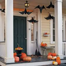 Decorating step out the front door like a ghost pictures : 15 Haunted Halloween Decor Ideas for Your Front Porch