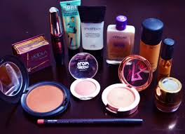 basic makeup essentials the only things you need in your makeup bag fashion and frappes
