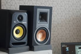 klipsch powered speakers. before we check how klipsch r-15pm sounds, let\u0027s what it is hiding inside these sleek, wood veneer covered cabinets. a powered version of speakers 1