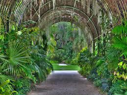 entrance to mckee botanical gardens