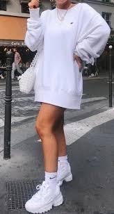 Pin de Sheree Morton en Alles | Ropa tumblr mujer, Moda de ropa, Ropa  streetwear