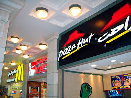 argumentative essay fast food advertising deceives americans to  francais un macdonald s un kfc et un pizza hut aux emirats arabes unis