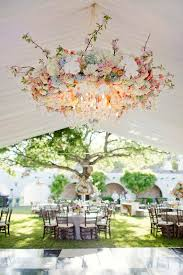 17 incredible hanging wedding flower ideas itgirlweddings com 17