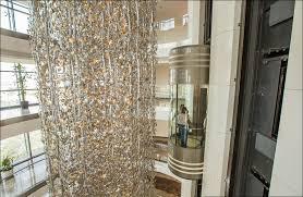3 worlds biggest chandelier worlds biggest chandelier jumeirah