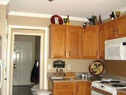 what color granite goes with honey oak cabinets kitchen cabinets gray walls what paint color goes what color granite goes with honey oak cabinets