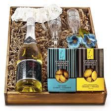 bride and groom wedding sparkling wine gift set
