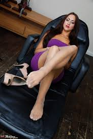 PinkFineArt Stephanie Knight Feet from UK Tickling