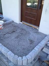 So können sie beispielsweise als randbegrenzung oder zum eingrenzen von blumenbeeten eingesetzt werden. Gepflasterter Hauseingang Stufe Aus Granitpalisaden Granit Palisaden Hauseingang Treppen Terrassen Treppe
