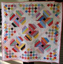 31 best Jelly Roll patterns (free) images on Pinterest   Knitting ... & FREE quilt pattern: