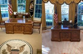 Oval office floor Rug His Penthouse For Example Is Decked Out In Gold And Louis Xivinspired Furniture The Oval Office As It Turns Out Is No Different Aolcom See The Changes Donald Trump Made To The Oval Office Aol Lifestyle