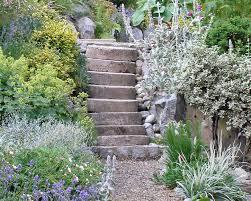 〈in übertragener bedeutung:〉 einen strengen maßstab anlegen (streng beurteilen). Gartentreppe Gestaltung Ideen Und Tipps Mein Schoner Garten