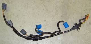 dave s volvo engine wire harness page 960 and s90 << at left is an original volvo harness section that i removed from a 960 as you can see the coil connectors were disintegrating
