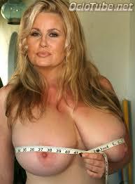 Jennifer coolidge big tits