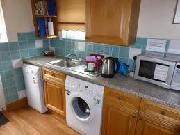 guest house kitchen. Radnor Guest House: Clean, Modern Kitchen, With Washing Machine - Very Handy House Kitchen G