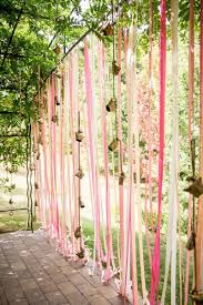 Such a pretty idea for a garden party. Love the use of ribbon to create