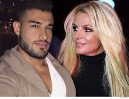 Britney jean spears (born december 2, 1981) is an american singer, songwriter, dancer, and actress. Britney Spears Bf Posts Kiss Montage During Her Mental Health Treatment