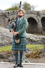 Smaller than a guitar, celtic mandolins may have round or oval sound holes and the four double sets of strings are played. Bagpipes Highlander Man Person Musical Instrument Scotland Edinburgh Uk Music Tones Play Pikist