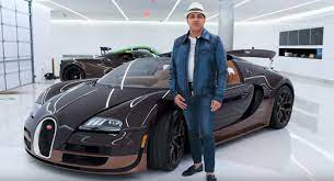 The hypercar began production in 2005 and has created multiple variants of the car since. Bugatti Veyron Grand Sport Vitesse Rembrandt Is Quite A Sculpture Carscoops
