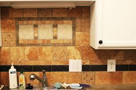 closer look to the kitchen backsplash