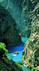 best a river runs through it images paisajes  bucket list take a boat along the douro river rocky canyon douro river photo via besttravelphotos