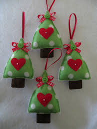 Cute And Cuddly Felt Christmas Trees And Other OrnamentsFelt Christmas Crafts