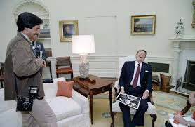 reagan oval office. President And Humor Reagan Oval Office E