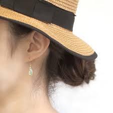髪型との相性も大事 夏のアップスタイルピアスのベストコーデ