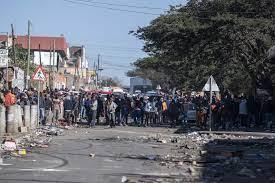 Güney Afrika'da protestolar: 'Zuma serbest bırakılsa bile devam ederiz,  çünkü açız' - Evrensel