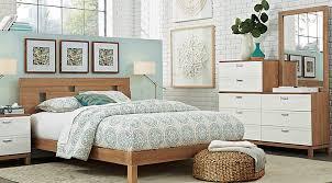 Gardenia Pecan 5 Pc Queen Platform Bedroom