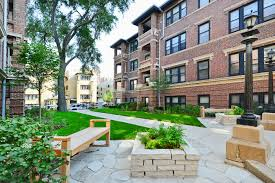 Living In West Lakeview A Lively Chicago Neighborhood Chock Full