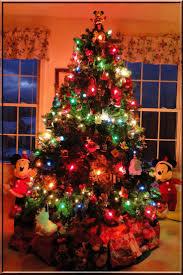 Hallmark Family Tree Photo Display Stand Christmas Tree Decorations Hallmark Gnome for the holidays 75