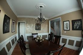 Stunning accent wall traditional-dining-room