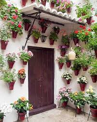spanish patio play jigsaw puzzle for