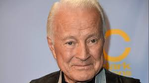 Lyle Waggoner Dead: 5 Fast Facts You ...