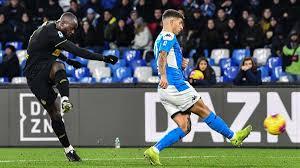 Napoli-Inter, papera di Meret: il tiro di Lukaku andava a ...