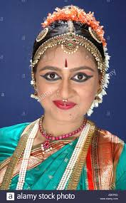 ang 99288 south asian indian women in heavy makeup eye liner hair pearls clical dancer bharat natyam india south asia