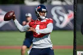 Texans' Deshaun Watson makes brief ...