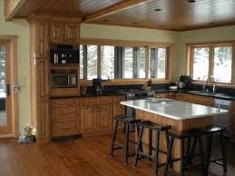 Medium Brown Kitchen Cabinets Medium Wood Cabinets Golden Brown Traditional Kitchen Design