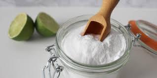 Pasalnya, baking powder mengandung soda kue alkali dan asam yang dibutuhkan untuk mengembangkan adonan. 5 Manfaat Baking Soda Untuk Tubuh Bisa Tangkal Bau Badan Merdeka Com