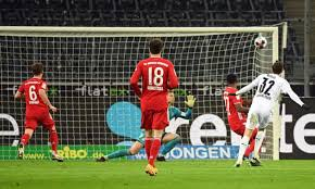 Bayern munich once again start things off with a friday night fixture against borussia monchengladbach, with both teams boasting brand new coaches compared to last season. Bayern Fall To Old Nemesis As Neuhaus Caps Glorious Gladbach Comeback Bundesliga The Guardian